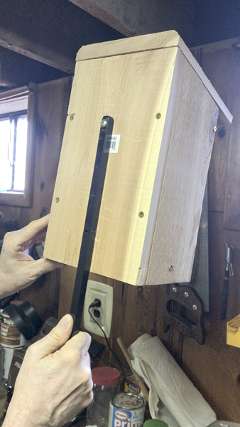 Attaching Pole to Back of Nest Box